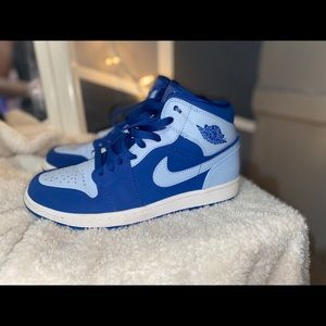 Light blue Nike Retro Jordan 1's
